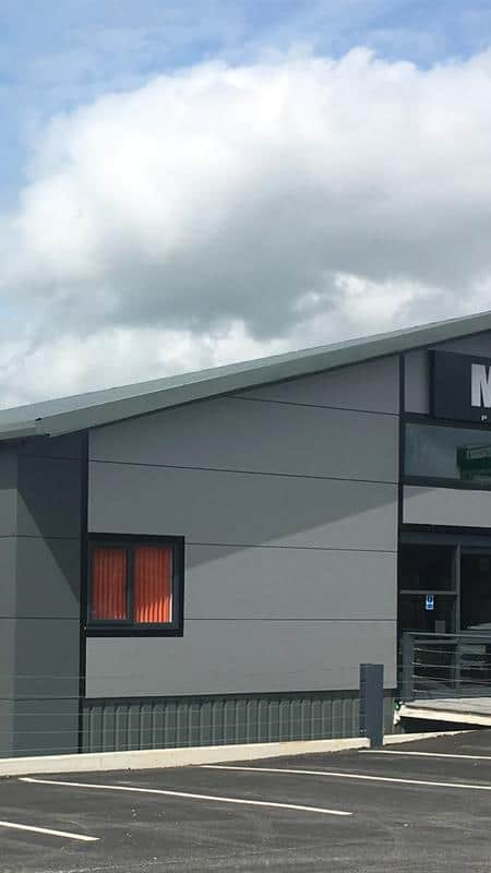 CASE dealer M&M Plant opens its £1M new head office and depot | CASE