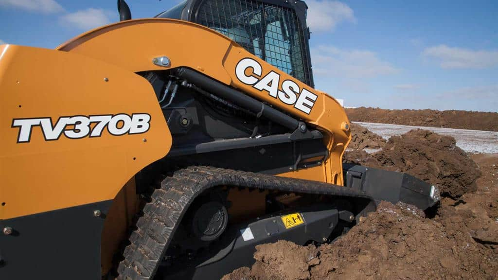 https://assets.cnhindustrial.com/casece/nafta/assets/Products/Compact-Track-Loaders/B-Series/TV370B/TV370B_IMG_9990.jpg