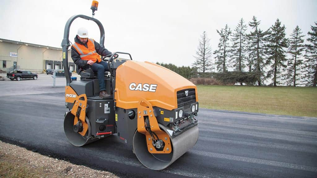 https://assets.cnhindustrial.com/casece/nafta/assets/Products/Compaction-Equipment/Double-Drum-Rollers/DV23D/DV23D_IMG_8044.jpg