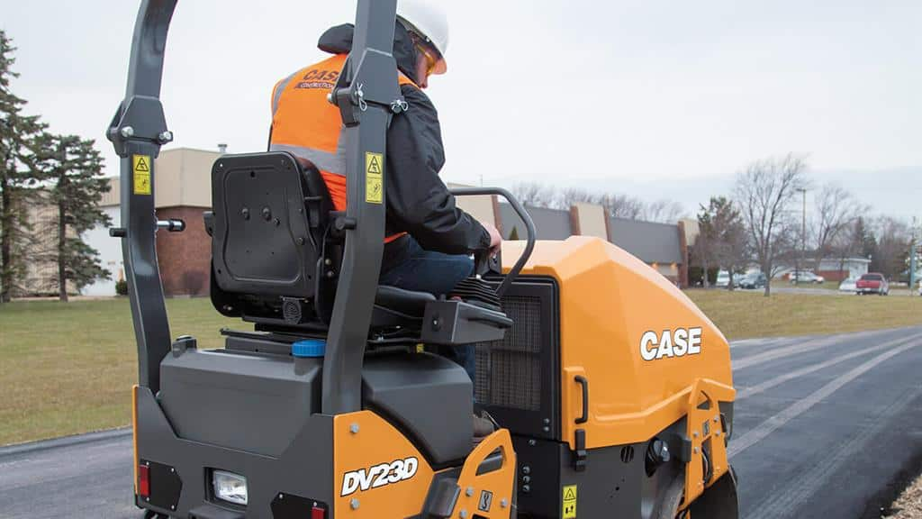 https://assets.cnhindustrial.com/casece/nafta/assets/Products/Compaction-Equipment/Double-Drum-Rollers/DV23D/DV23D_IMG_8063.jpg