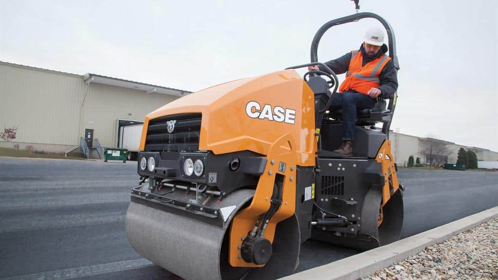 https://assets.cnhindustrial.com/casece/nafta/assets/Products/Compaction-Equipment/Double-Drum-Rollers/DV26D/DV26D_IMG_7609.jpg