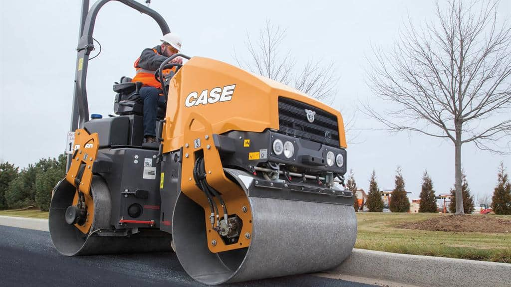 https://assets.cnhindustrial.com/casece/nafta/assets/Products/Compaction-Equipment/Double-Drum-Rollers/DV26D/DV26D_IMG_7662.jpg
