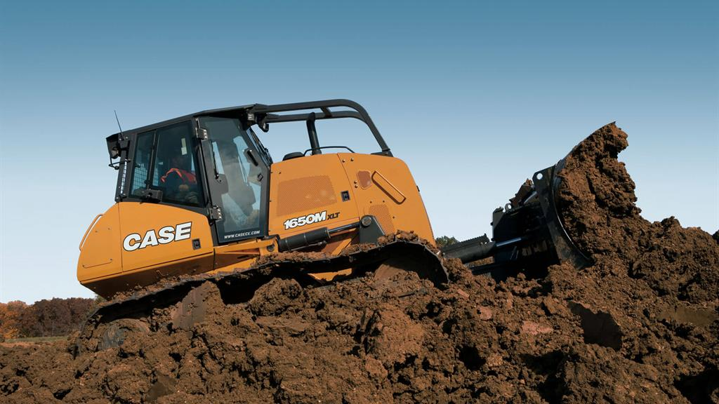 https://assets.cnhindustrial.com/casece/nafta/assets/Products/Crawler-Dozers/1650Mxlt4034_effect.jpg