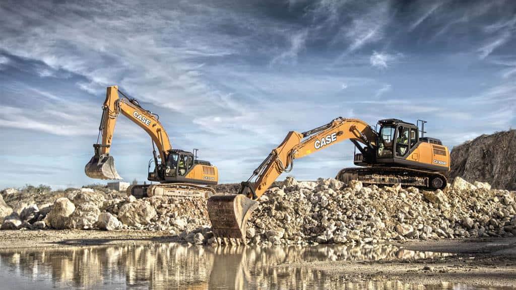 https://assets.cnhindustrial.com/casece/nafta/assets/Products/Excavators/Full-Size-Excavators/CA_CX300D-CX370D_W_F1581_00.jpg