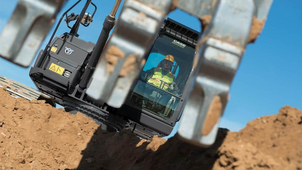 https://assets.cnhindustrial.com/casece/nafta/assets/Products/Excavators/Full-Size-Excavators/CX210D_RJP_4300_.jpg