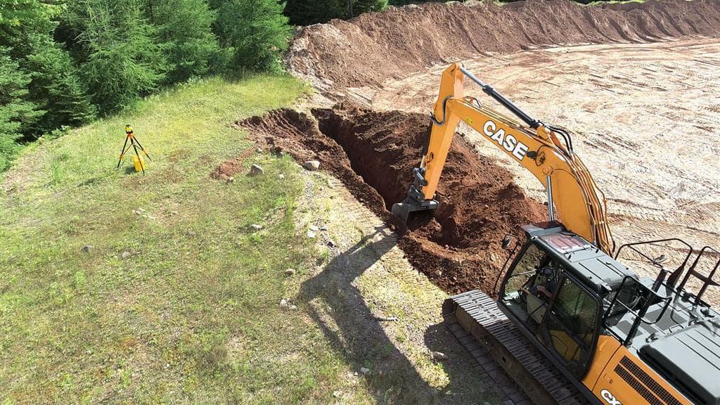 https://assets.cnhindustrial.com/casece/nafta/assets/Products/Excavators/Full-Size-Excavators/CX250D/CCE_EXC_DSER_photo_3-6-17_CX250D_2D_Excavator.jpg