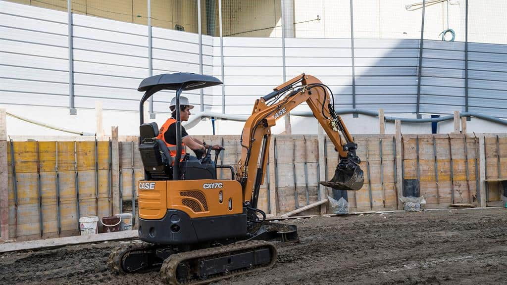 https://assets.cnhindustrial.com/casece/nafta/assets/Products/Excavators/Mini-Excavators/CX17C/CCE_CEXC_CSER_photo_1-4-17_CX17C_AFP2164.jpg