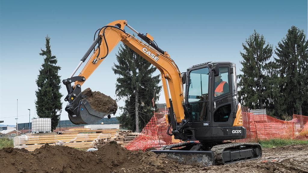 https://assets.cnhindustrial.com/casece/nafta/assets/Products/Excavators/Mini-Excavators/CX37C/CCE_MiniEXC_photo_3-7-17_CX37C_AFP0805_effect.jpg