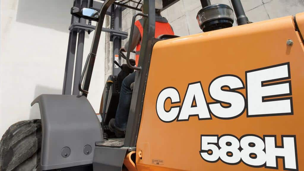 https://assets.cnhindustrial.com/casece/nafta/assets/Products/Forklifts/588H_outside-63_T4F.jpg