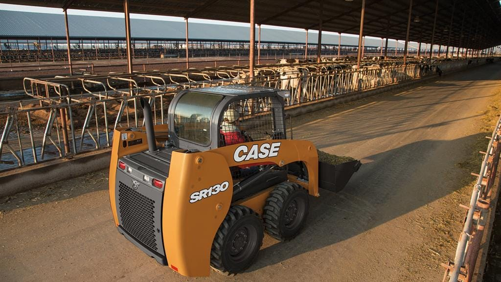 https://assets.cnhindustrial.com/casece/nafta/assets/Products/Skid-Steer-Loaders/SR130/CCE_SSL_photo_3-8-18_SR130-1918.jpg