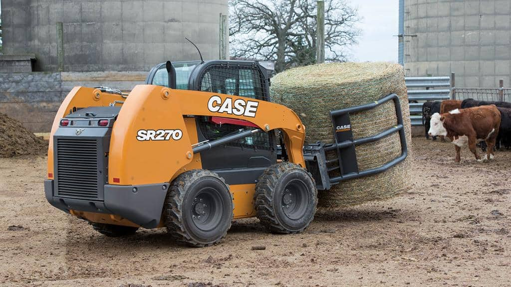 https://assets.cnhindustrial.com/casece/nafta/assets/Products/Skid-Steer-Loaders/SR270/CCE_SSL_photo_3-16-18_SR270_RJP_4070.jpg