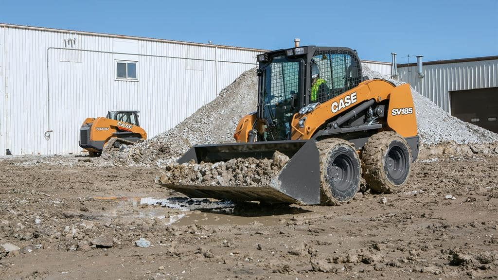https://assets.cnhindustrial.com/casece/nafta/assets/Products/Skid-Steer-Loaders/SV185/CCE_SSL_photo_3-8-18_SV185_Topper_0629.jpg