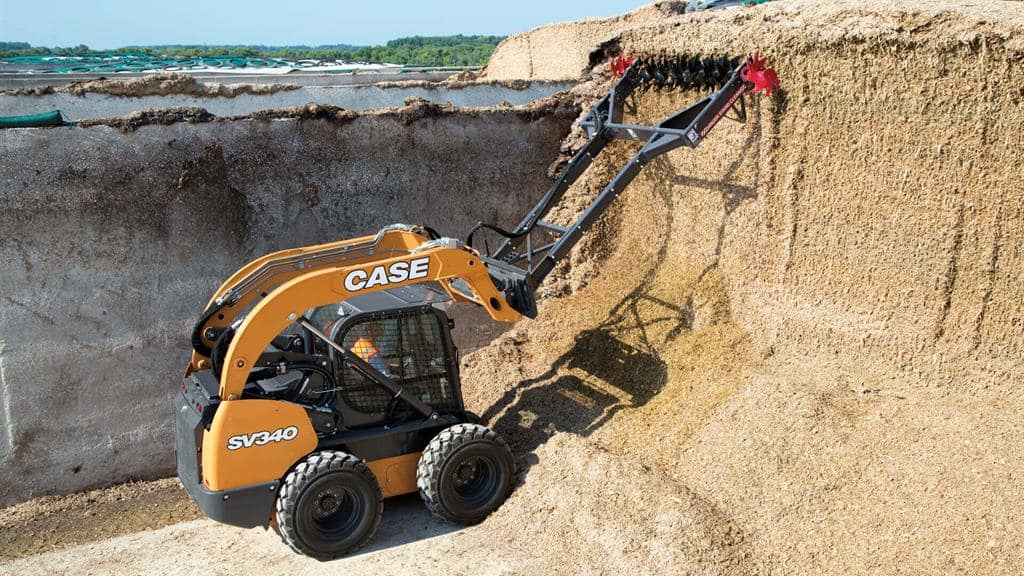https://assets.cnhindustrial.com/casece/nafta/assets/Products/Skid-Steer-Loaders/SV340_0173.jpg