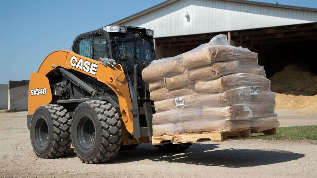 https://assets.cnhindustrial.com/casece/nafta/assets/Products/Skid-Steer-Loaders/SV340_0605.jpg