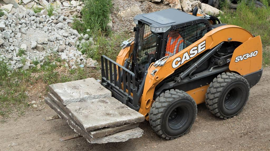 https://assets.cnhindustrial.com/casece/nafta/assets/Products/Skid-Steer-Loaders/SV340_0970.jpg