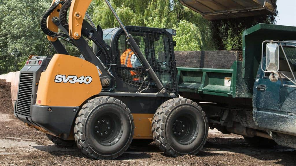 https://assets.cnhindustrial.com/casece/nafta/assets/Products/Skid-Steer-Loaders/SV340_1816.jpg