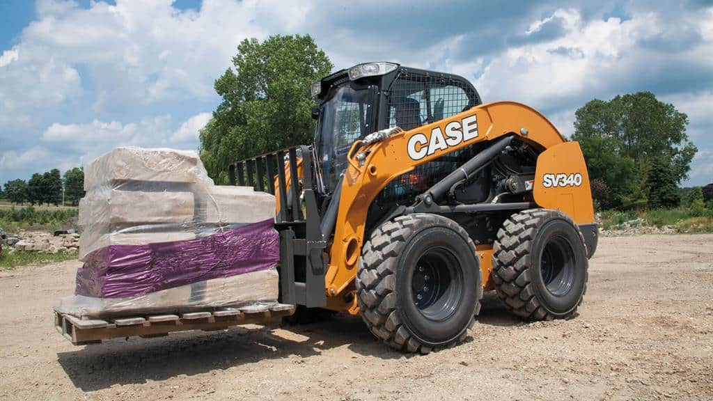 https://assets.cnhindustrial.com/casece/nafta/assets/Products/Skid-Steer-Loaders/SV340_2209.jpg