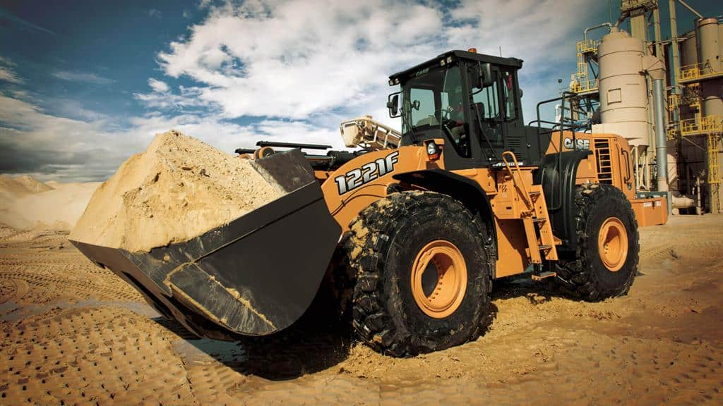https://assets.cnhindustrial.com/casece/nafta/assets/Products/Wheel-Loaders/Full-Size-Wheel-Loaders/1221F_2460_effect_T4F.jpg