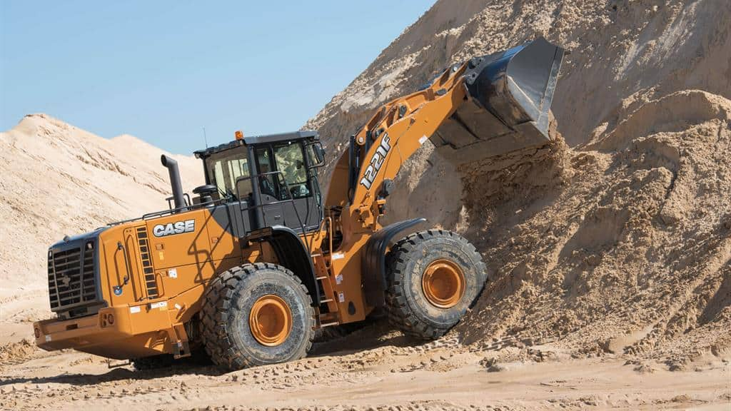 https://assets.cnhindustrial.com/casece/nafta/assets/Products/Wheel-Loaders/Full-Size-Wheel-Loaders/1221F_photo_4-17-14_1221F_2521.jpg