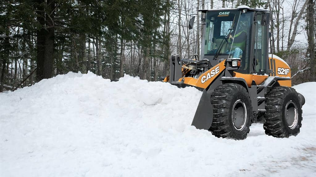 https://assets.cnhindustrial.com/casece/nafta/assets/Products/Wheel-Loaders/Full-Size-Wheel-Loaders/521F/CCE_WL_photo_1-9-18_521F-0987_in_snow.jpg