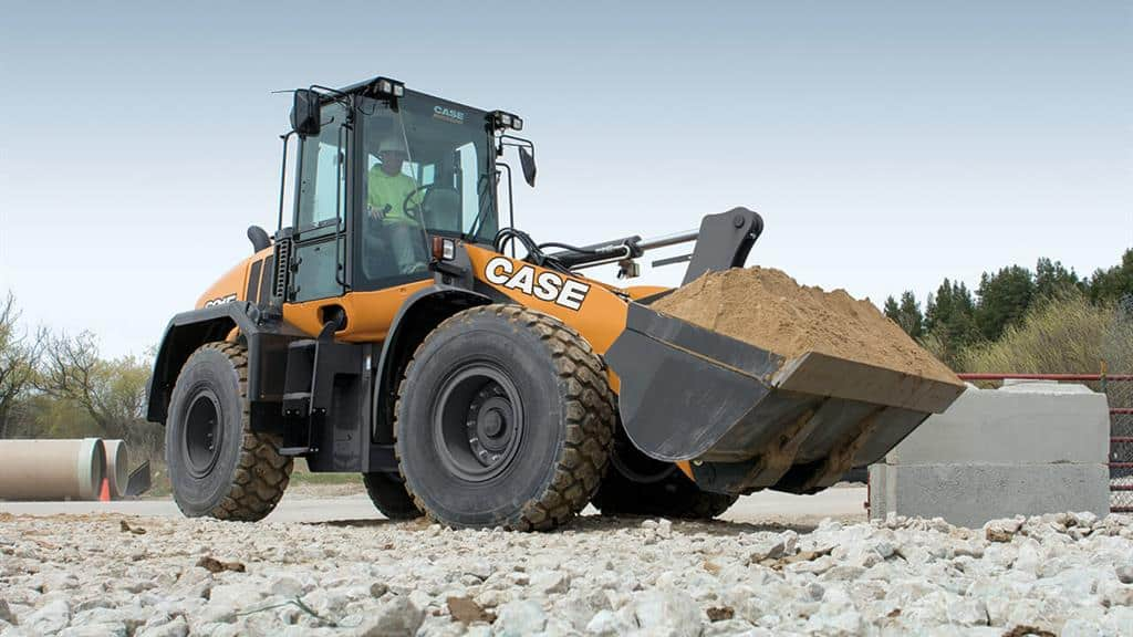 https://assets.cnhindustrial.com/casece/nafta/assets/Products/Wheel-Loaders/Full-Size-Wheel-Loaders/621F/CCE_WL_FSER_photo_2-20-18_621F_CASE_StaabConstruction_0724.jpg