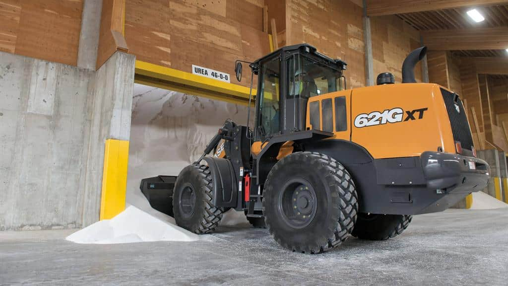 https://assets.cnhindustrial.com/casece/nafta/assets/Products/Wheel-Loaders/Full-Size-Wheel-Loaders/621Gxt__RJP2414.jpg