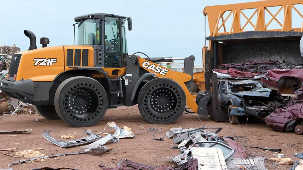 https://assets.cnhindustrial.com/casece/nafta/assets/Products/Wheel-Loaders/Full-Size-Wheel-Loaders/721F/CCE_WL_FSER_photo_2-28-18_721F-8656_effect_V2_T4F.jpg