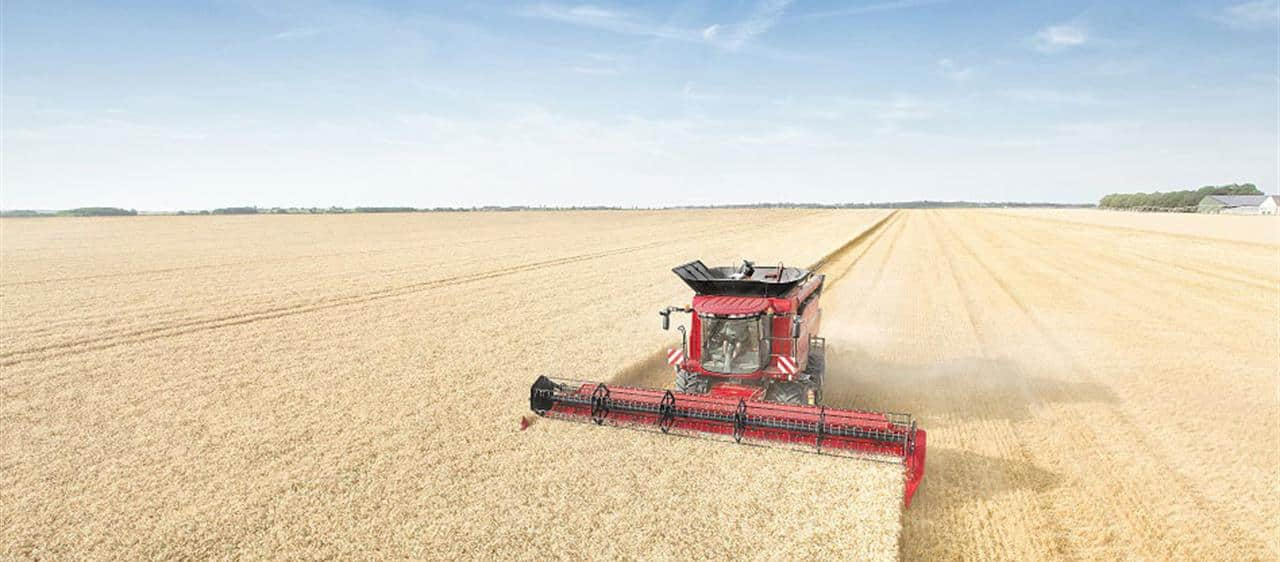 Case IH Axial-Flow® 140 Series combines earn Highest Retained Value Award 2017