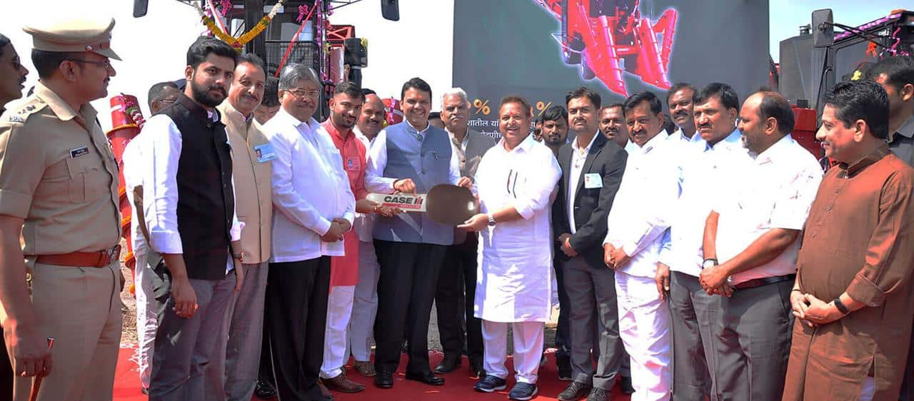 Case IH delivers two Austoft® 4000 Series sugarcane harvesters to Kisanveer Khandala Sahakari Sakhar Udyog Ltd, Khandala-Satara