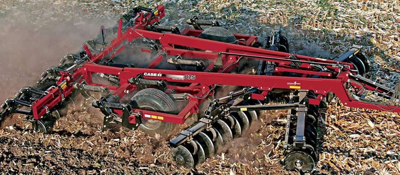 Case IH Ecolo-Tiger 875 tackles primary tillage from Kuban to Volga regions in Russia