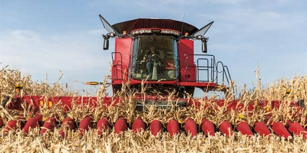 Expanding 4400 corn header lineup with new configurations
