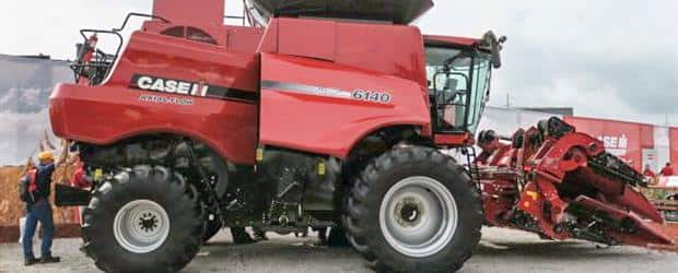 Case IH 6140 Axial-Flow Combine with 4408 Folding Corn Head
