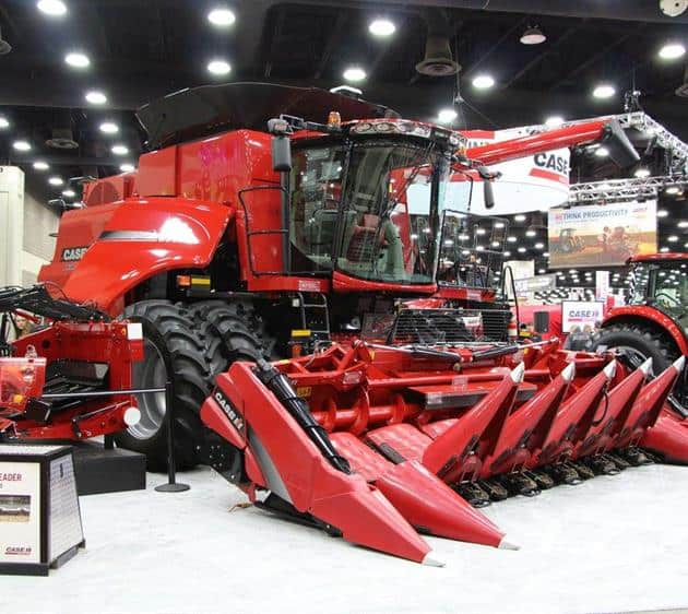 National Farm Machinery Show 2016 - Axial-Flow 6140 Combine & 4408 Folding Corn Head