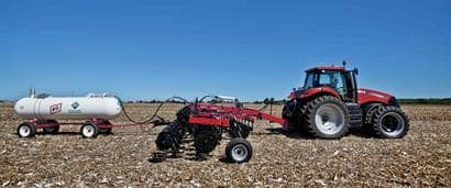 //assets.cnhindustrial.com/caseih/NAFTA/NAFTAASSETS/Products/Application-Equipment/Fertilizer-Applicators/Nutri-Placer-930/930_Nutri-Placer_2969_09-15-11_mr.jpg?width=410&height=171