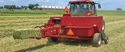 //assets.cnhindustrial.com/caseih/NAFTA/NAFTAASSETS/Products/Balers/Small-Square-Balers/SB541/SB541_01107_03-09_mr.jpg?width=410&height=171