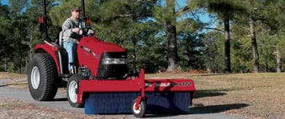 //assets.cnhindustrial.com/caseih/NAFTA/NAFTAASSETS/Products/Loaders-and-Attachments/Tractor-Attachments/Clean-Up/BRX172_Farmall_35_001-01_03-11_mr.jpg?width=410&height=171