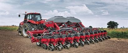 //assets.cnhindustrial.com/caseih/NAFTA/NAFTAASSETS/Products/Planting-and-Seeding/Early-Riser-Planter/1245-Pivot-Transport-Trailing/1245_PT_Planter_PMFH-1031_07-13_mr.jpg?width=410&height=171