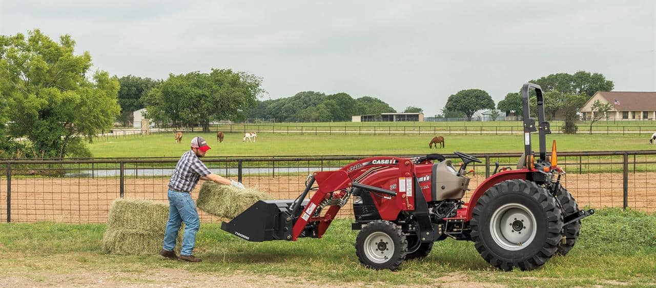 Compact Farmall A: Loaders and Attachments