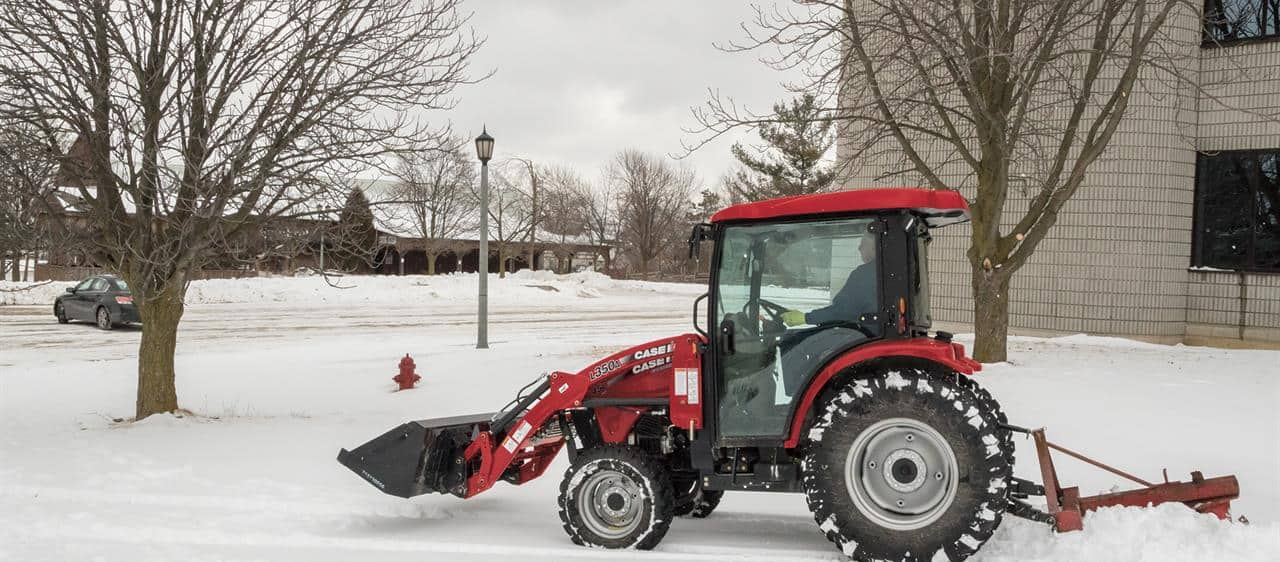 Compact-Farmall-C-CVT_Loaders-Attachments