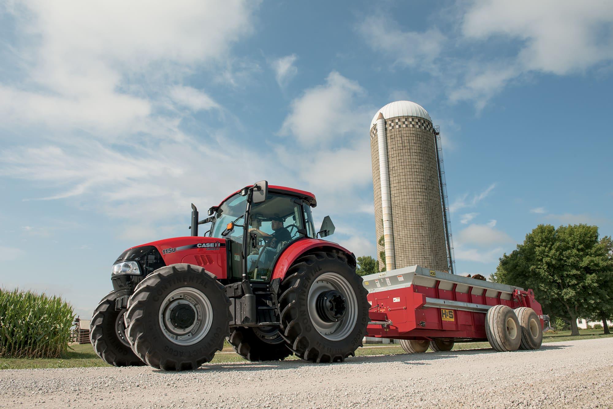 Utility Farmall 115U | Small Tractors | Case IH