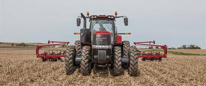 //assets.cnhindustrial.com/caseih/NAFTA/NAFTAASSETS/Products/Tractors/Magnum-Series/Magnum-240/Magnum_240_CVT_Tractor_7578_05-14.jpg?width=410&height=171