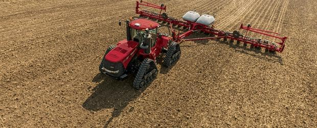 The Steiger 370 has a narrow frame, providing optimal weight-to-horsepower ratio for row-crop applications