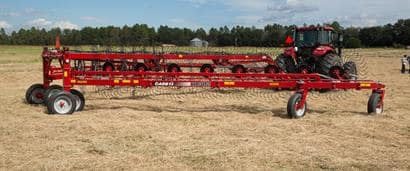 //assets.cnhindustrial.com/caseih/NAFTA/NAFTAASSETS/Products/Wheel-Rakes-and-Mergers/Wheel-Rakes/General_Images/WR302%20Wheel%20Rake_AGH-0929_10-14.jpg?width=410&height=171