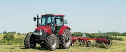 //assets.cnhindustrial.com/caseih/NAFTA/NAFTAASSETS/Products/Wheel-Rakes-and-Mergers/Wheel-Rakes/WR102/Farmall_115U_WR102_Wheel_Rake_0713_PMFH-3045.jpg?width=410&height=171