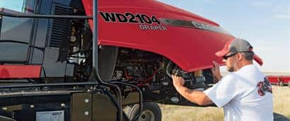 //assets.cnhindustrial.com/caseih/NAFTA/NAFTAASSETS/Products/Windrowers/Windrowers/WD2104/CIH_0914_EWD-1772_mr.jpg?width=410&height=171