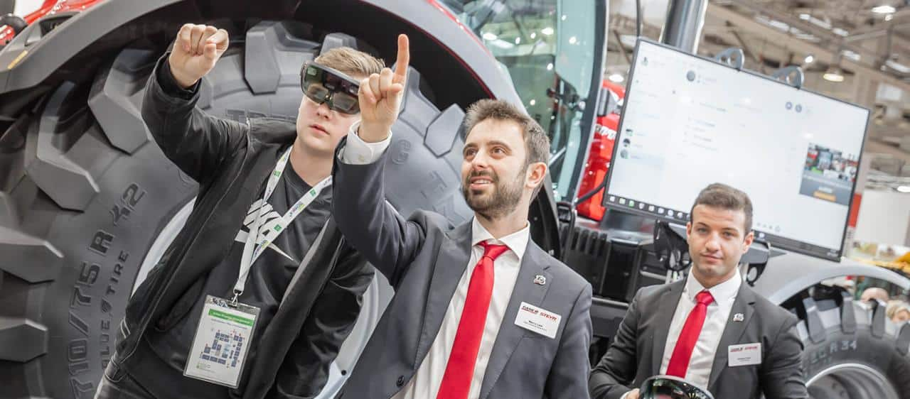 Case IH presents the HoloLens Project at Agritechnica: Case IH and Microsoft team up for the future of remote maintenance