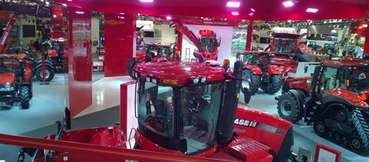 "Spirited and successful start in an important ""year of agricultural engineering""- Case IH presents the first '2015 innovations' at SIMA in Paris"