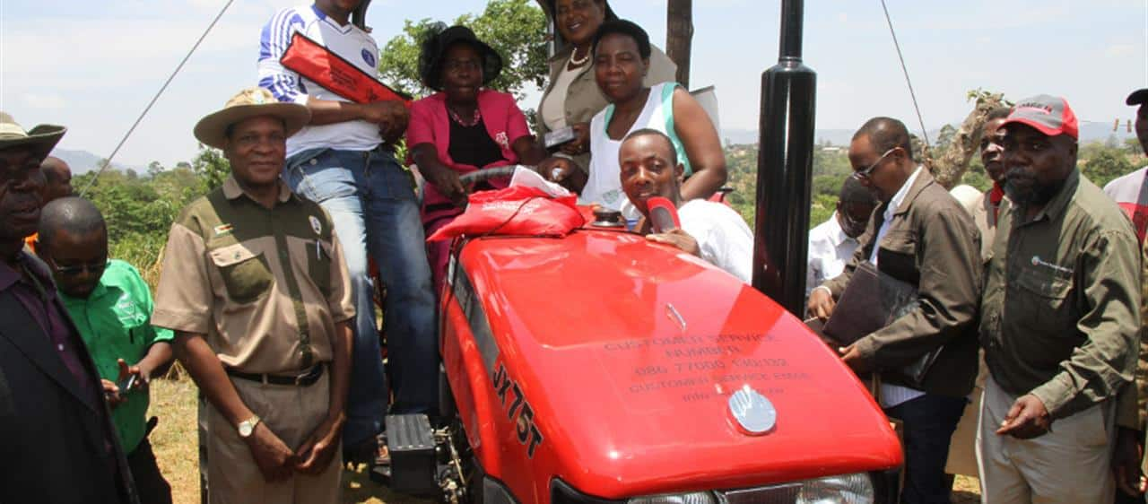 Zimbabwe Farmer of the Year Award Winner receives First Prize Case IH Tractor