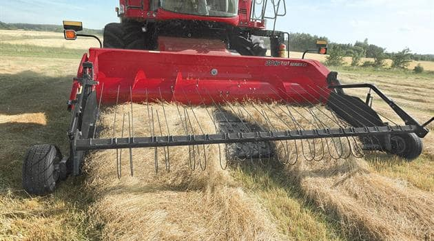 3000 Pick-up Header-Swath pick up guaranteed in all terrain