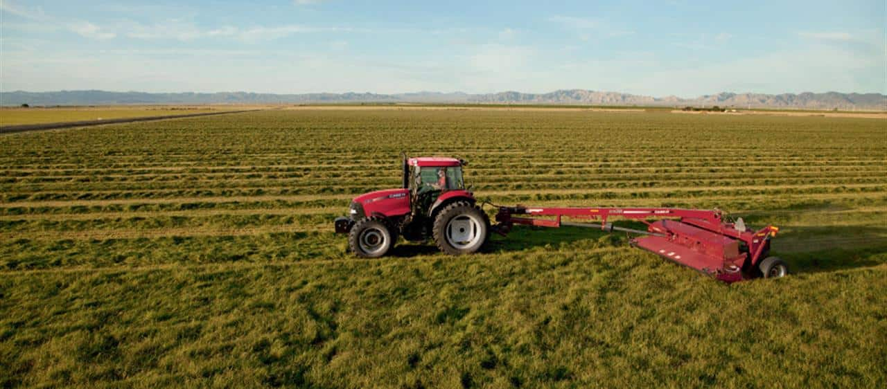 Farmall 100 A-The versatile tractor with year round capability